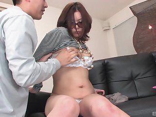 After fingering and a blowjob Japanese lady wants prevalent cum give a guy