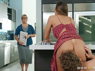 Big ass wife fucked hard just about the kitchen and made to swallow