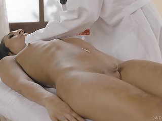 Sexy physician Dee Williams gets intimate with transsexual patient