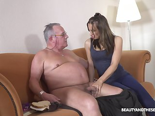 Filthy young sweeping Azure Angel hooks up with ancient big belly man