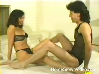 Retro group sex video with a weirdo mature couple and a sexy tow-haired
