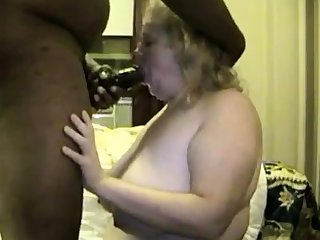 Mature BBW has chunky butt